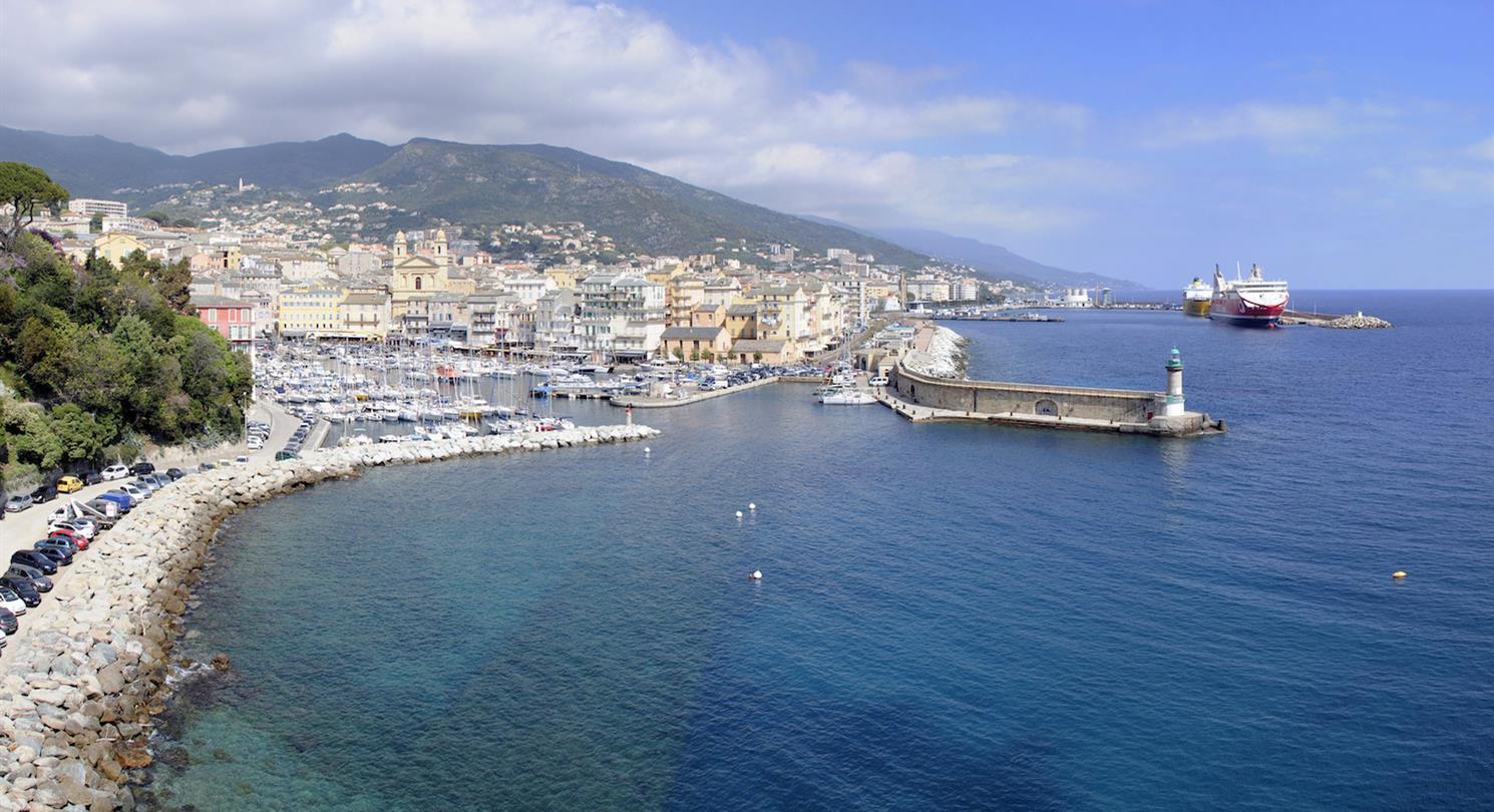 Acces par mer au village vacances naturiste proche porto vecchio acces au camping et residence - Location voiture bastia port ...