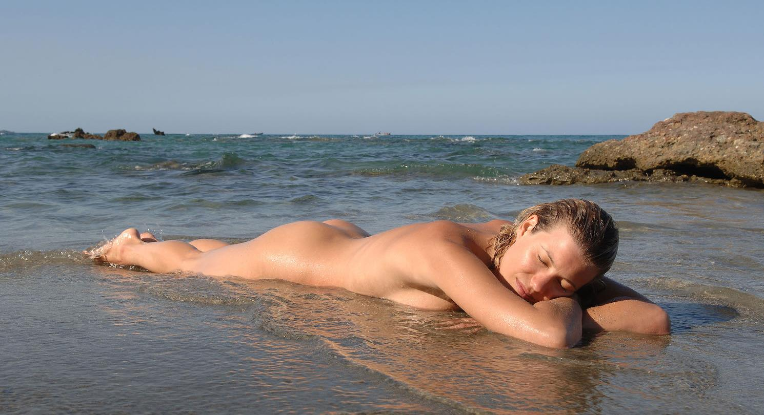 plage naturist gay france camping plage france